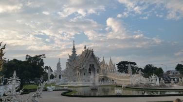 Wat Rong Khun Temple © Jonathan Low